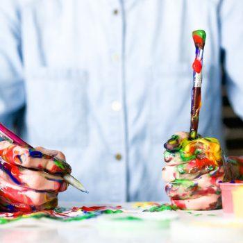 Querdenken und mit Hilfe des divergenten Denkstils aktivieren Sie ihr Kreativität.